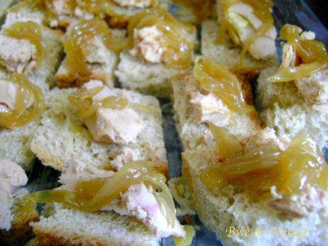 canape?s e?pice?s foie gras oignon
