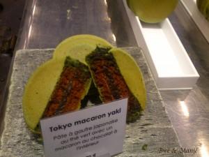 pâte à gaufre japonaise au thé vert et macaron au chocolat