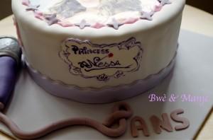 gâteau pâte à sucre violetta