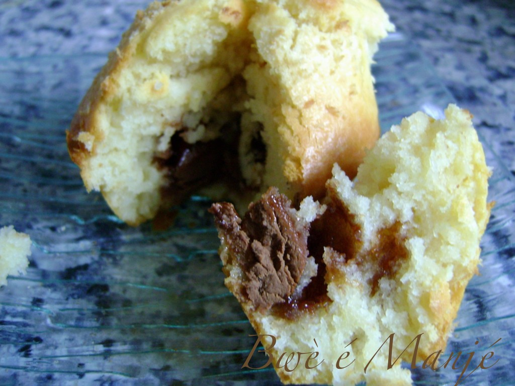 Muffin à la noix de coco coeur chocolat au lait