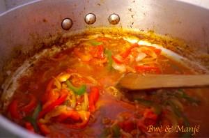 oignons poivrons tomates pellées paëlla